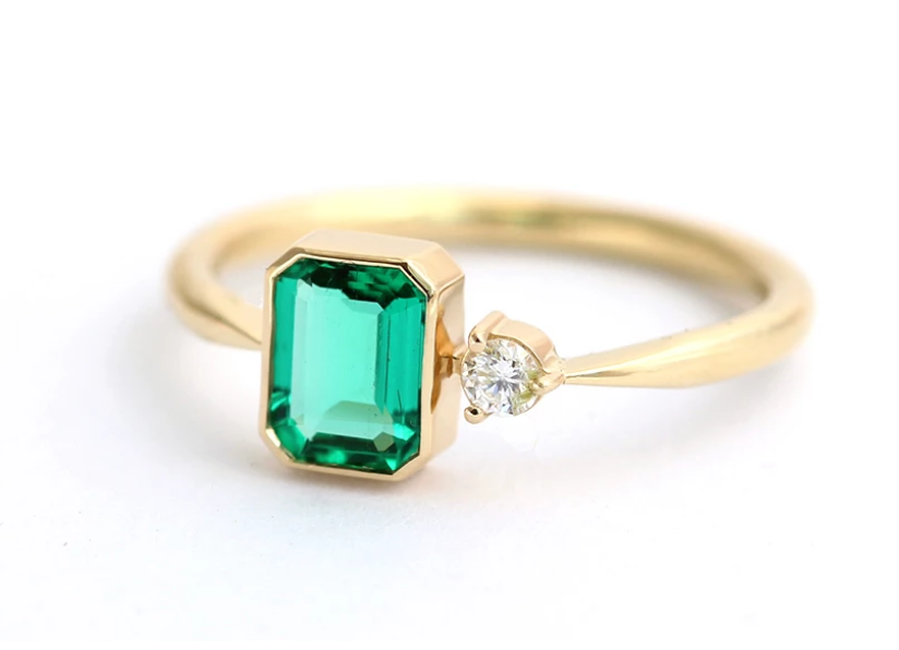 cincin model Stone Emerald